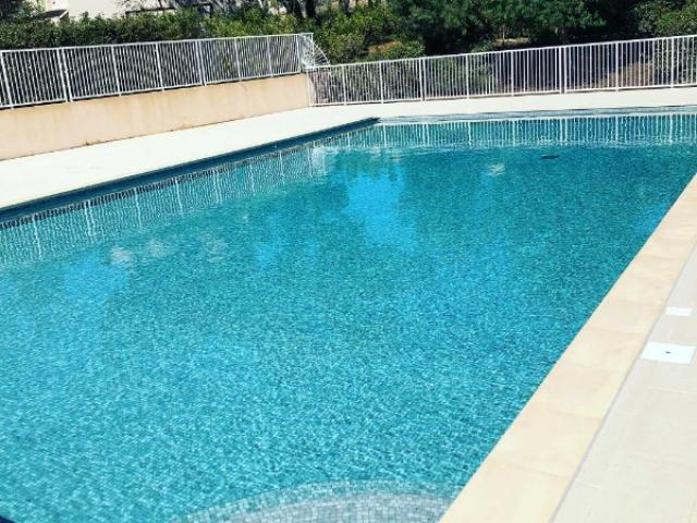 Entretien d'un piscine collective
