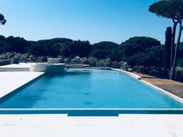 Entretien d'un piscine privée sur Saint Tropez