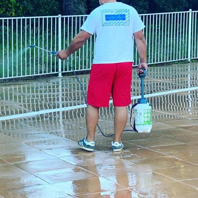 Nettoyage des plages piscine